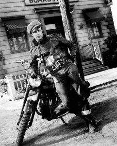 Marlon Brando 3 (of 48)